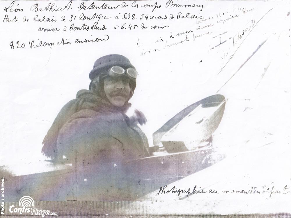 Léon Bathiat au décollage sur la plage de Contis