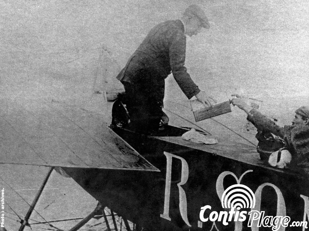 Atterrissage de Léon Bathiat sur la plage de Contis