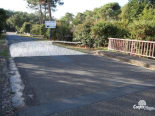 Au pont rose, commune de Lit-et-Mixe, la voie militaire tournait immédiatement à droite - début de section 01